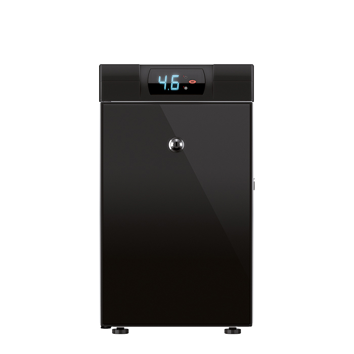 WMF 3.5L milk chiller with temperature display black with lockable feature, black model